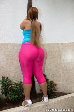 """Belinda In """"Pink Blue Spandex"""""""