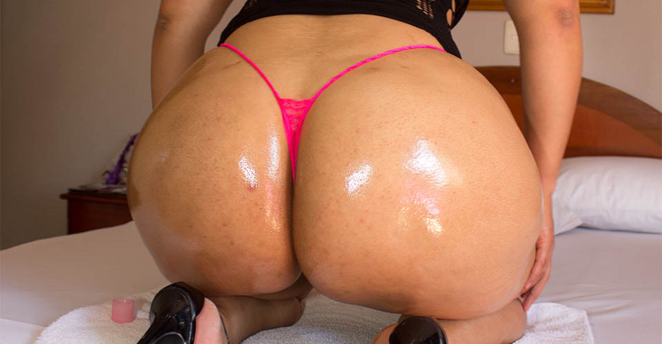 Natalia - insane big ass